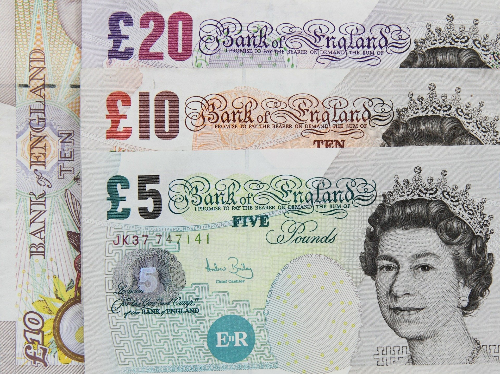 Cash pound sterling